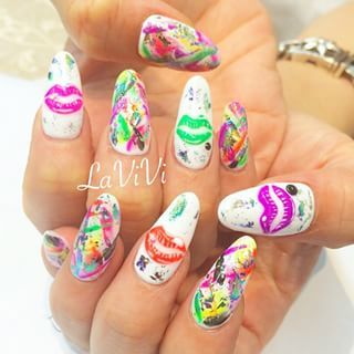 @nail.lavivi_irokawa - リップ❤︎ネイル#nail#swarovski#nailsalon#lavivi#omote... - Pikore (242619)