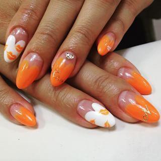 @kahuna.nail - VAT店☆ハートフレンチにリップマーク♡#nails#nail#girl#nailart#c... - Pikore (242634)