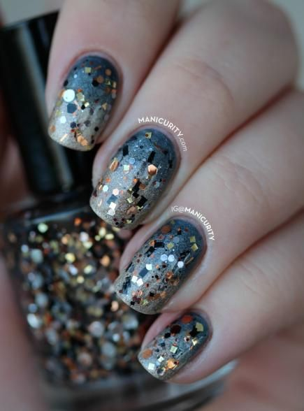 Sparkly New Year's Nail Art Perfect for Celebrating (250163)