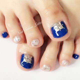 @kumilatte - ◆ネイビー×シルバー◆#navy #navynails #nails #nailart... - Pikore (253079)