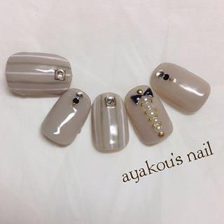 @ayakou429 - .グレージュでストライプ(*´∪`).#nail #nails #nailart... - Pikore (263969)