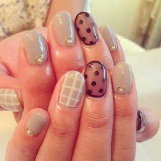 @nailroom8 - #nail#nailart#gray#dots#ネイル#シースルーネイル#グレージュネイル#秋... - Pikore (263992)