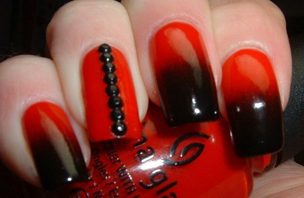 red and black nail  2015 (281369)