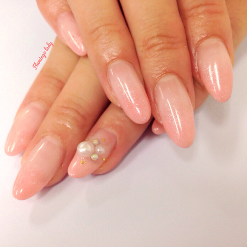 Pink gradation nails | We Heart It (284976)