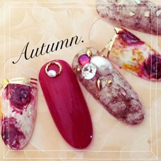 @yochan4.nail - Autumn. Red Flower♡Nail(サンプルチップより✴︎) #flower... - Pikore (289934)