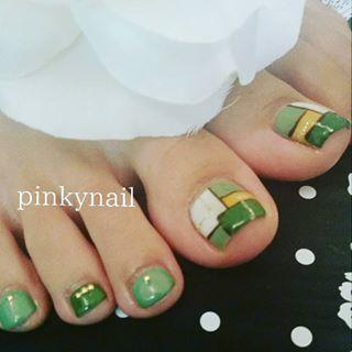 @pinky.love.nail - お客様ネイルカーキ色でおまかせでした。#ブロックネイル #ブロッキングネイル #カーキ色... - Pikore (292387)