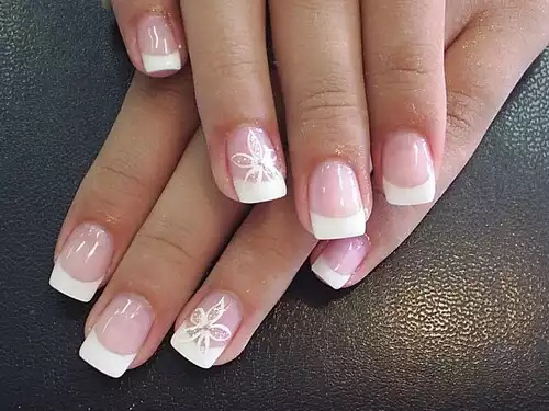 Flower nails | We Heart It (298857)