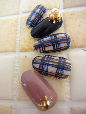 early fall / late summer chech plaid design nail | nail ideas | Pinterest (298890)