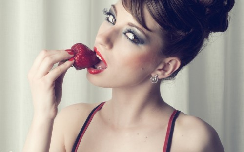 Strawberry Girl Pretty Beautiful Sexiest Adorable People Wallpaper (1920x1200) - Pale Gray Widescreen Desktop Background (299263)