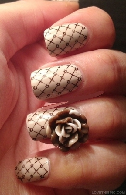 nail art rose - Google Search | We Heart It (304244)