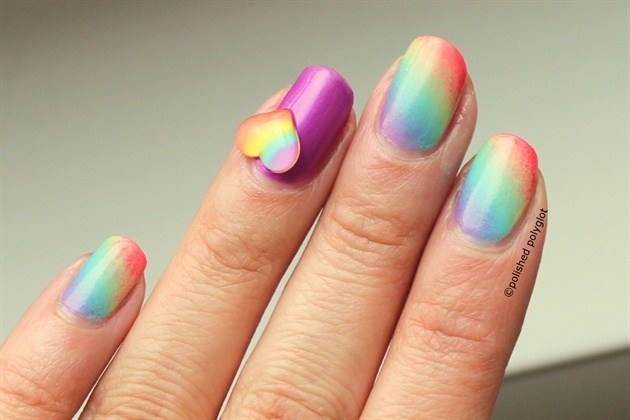Rainbow gradient with heart decoration - Nail Art Gallery (312213)