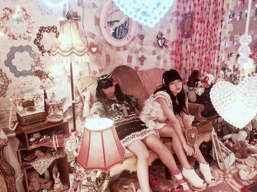 girl, knit, and 女の子 by <3   We Heart It (317496)