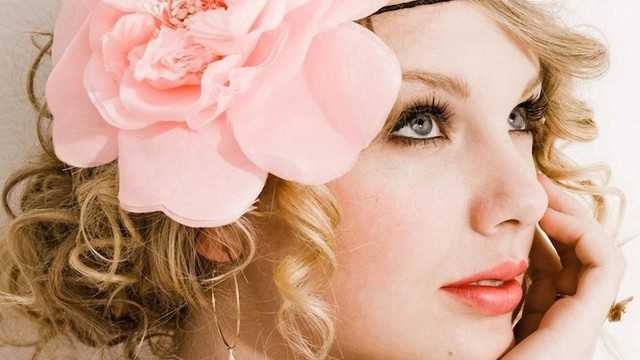 Taylor Swift Portrait Wearing Big Flower In Her Hair | Wallpapers Design (318790)