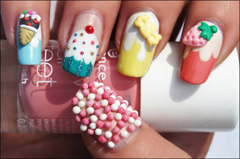 nail art by Malika Adventita | We Heart It (330289)