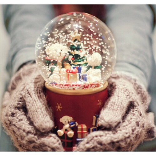 Snowglobe❄️  by Mags | We Heart It (334860)