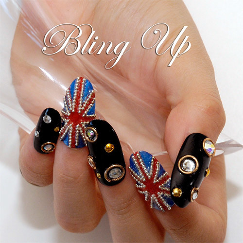 English Flag Nail Art featuring Swarovski Rhinestones and Metal Beads | Nail Art, DIY Decoden and Cell Phone Cases by Bling Up | We Heart It (339289)