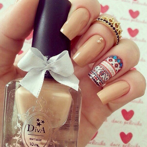 beige, fashion, and nails by Ксения | We Heart It (344457)