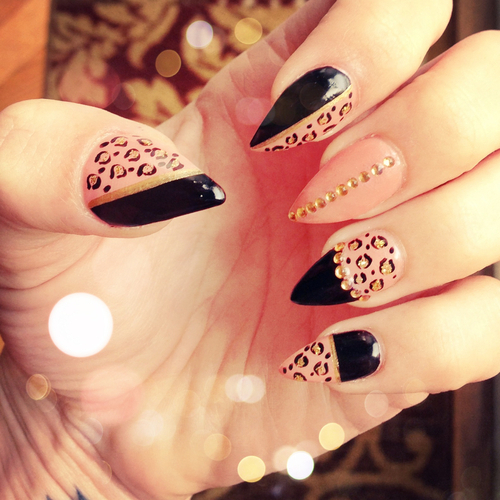Cool nails<3 @anapaulina_ca by CareFree | We Heart It (344490)