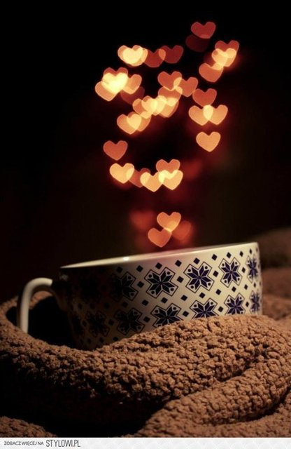 Warm cuppa coffee perfect for a winters day♥ | We Heart It | winter, coffee, and cozy (349180)
