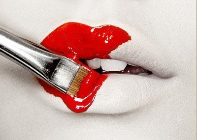 art-creative-lips-makeup-paint-favimcom-420466_50ec86179606ee2d57199344 - LavaMind (352356)