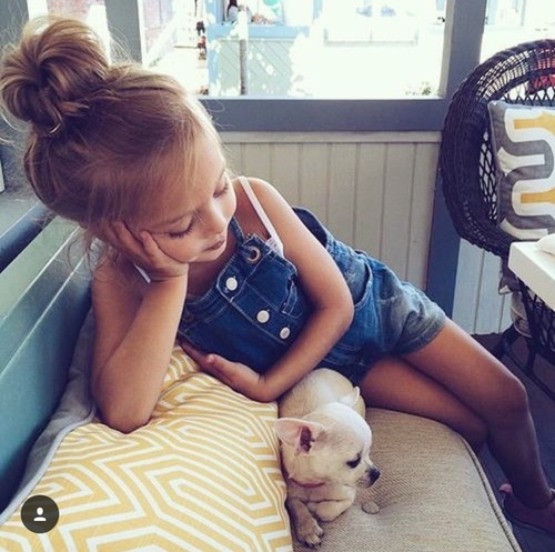 Little Girl with Little Dog  by Yarely Sarabia | We Heart It (353362)