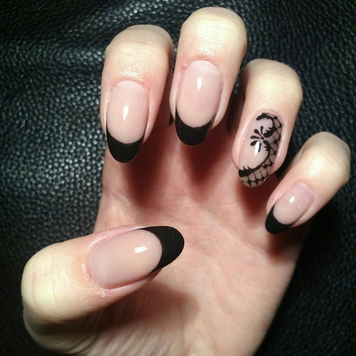 black, nailart, and design by Ágnes Hajgató | We Heart It (374674)
