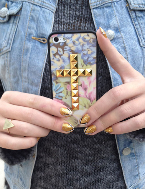 Vintage Floral Gold Cross iPhone 5 Case | Wildflower cases by Wildflower Cases | We Heart It (378709)