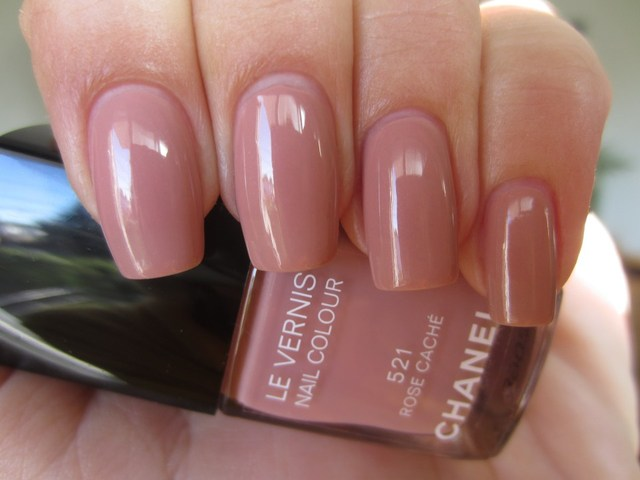 CHANEL: Le Vernis #521 Rose Caché, #519 Rose Exubérant, #08 Pirate and Velvet Mat Top Coat (swatches & review) | ommorphia beauty bar (380461)