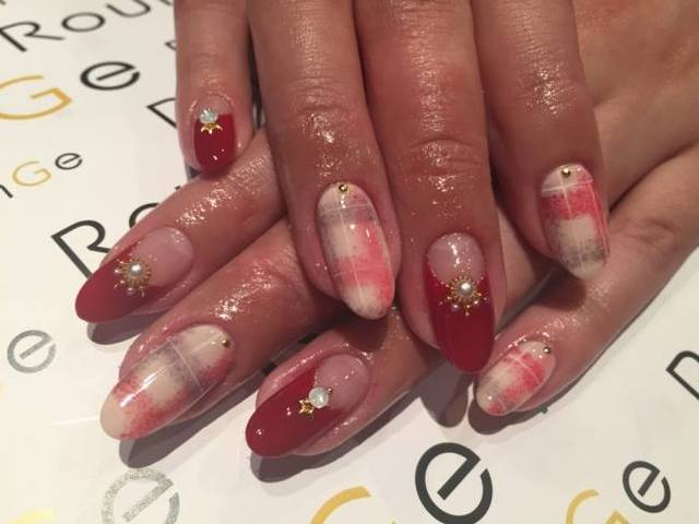 Nail & Eyelash Salon RounGe (387748)