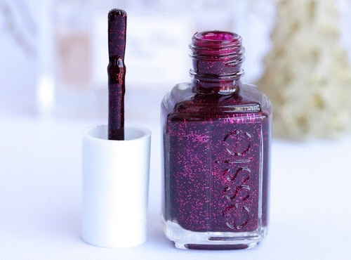 Nailpolish called Essie. by NicoleAntu | We Heart It (390364)