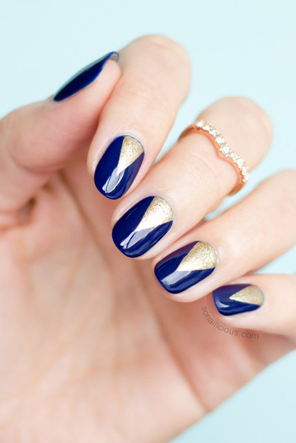 blue and gold nails  by Melissa | We Heart It (391385)