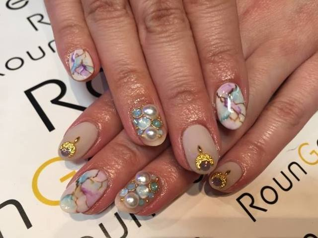 Nail & Eyelash Salon RounGe (394139)