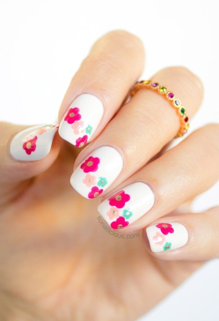 Marc Jacobs Daisy Delight Inspired Spring Nail Art Tutorial (395492)