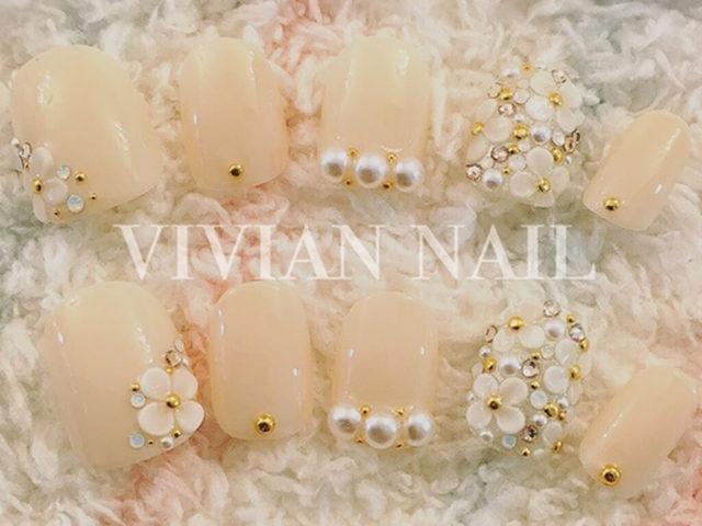 【ブライダルネイルまとめ】ウェディングドレスに合う白のネイル 【AUTHORs】 (396879)