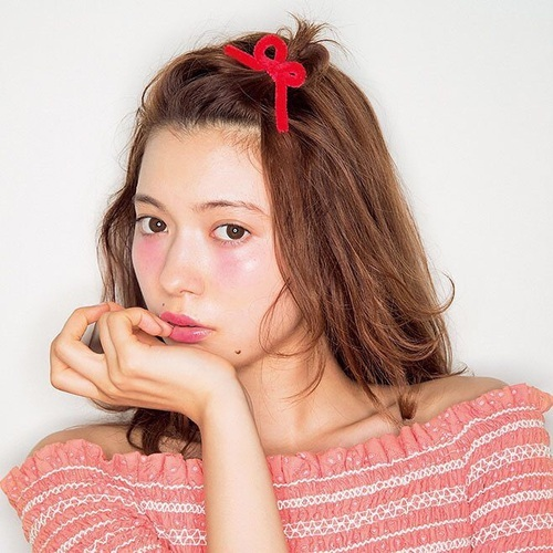 hair, make up, and fashion by あむ   We Heart It (397363)