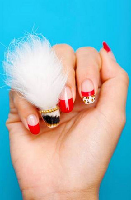 Annnnd Now People Are Wearing Wigs on Their Nails. Not Kidding: Lipstick.com (406561)