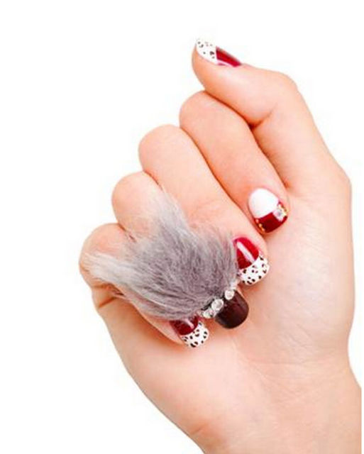 Annnnd Now People Are Wearing Wigs on Their Nails. Not Kidding: Lipstick.com (406562)