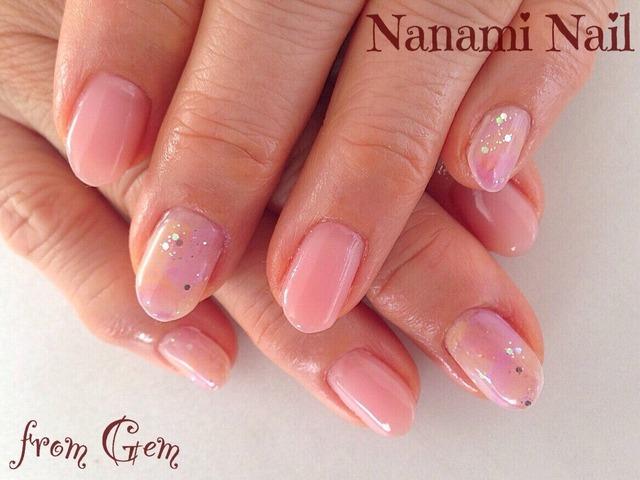 春らしいピンクにホロとタイダイでワンポイント。シンプル...