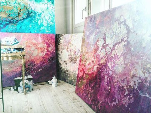Interview: Ethereal Marbled Paintings Express the Inner Light Inside All of Us | Pinturas, Entrevista y Artistas (415207)
