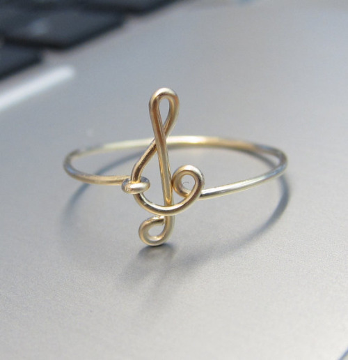 gold and music by Ru'a ღ | We Heart It (439983)