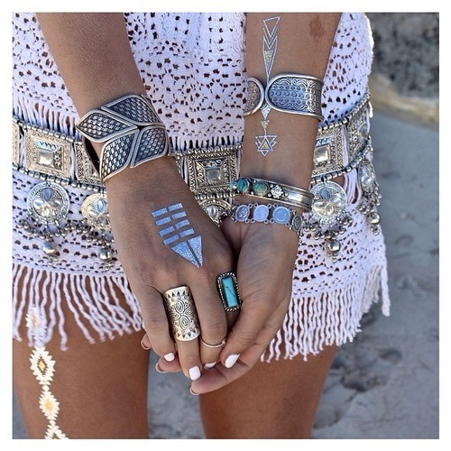 Think think ok its good | We Heart It | fashion, rings, and boho (458658)