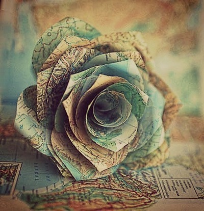 Mix these flowers made from maps with flowers made from books and you have my dream bouquet. by Alžbeta Poláková | We Heart It (460147)