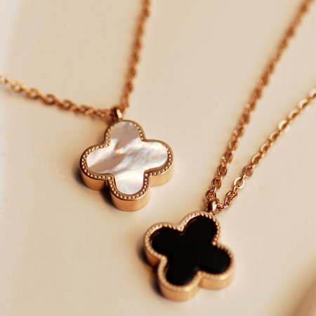 Shell Clover Necklace from fallfor.com by Missus  | We Heart It (475216)
