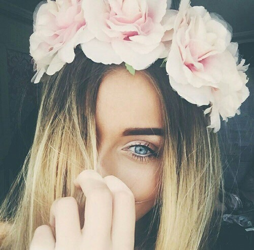 Flowers crowns are so cute by serendipity ❁ | We Heart It (479535)