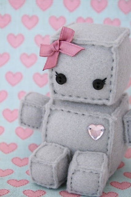 Cute + Robots = adorable  by Bruna Bruno | We Heart It (487840)
