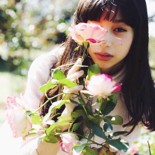 flower, girl, and 中条あやみ by 彩奈 | We Heart It (490225)