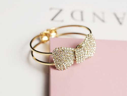 Bow Adjustable Bracelet | We Heart It | ring, bow, and gold (519618)