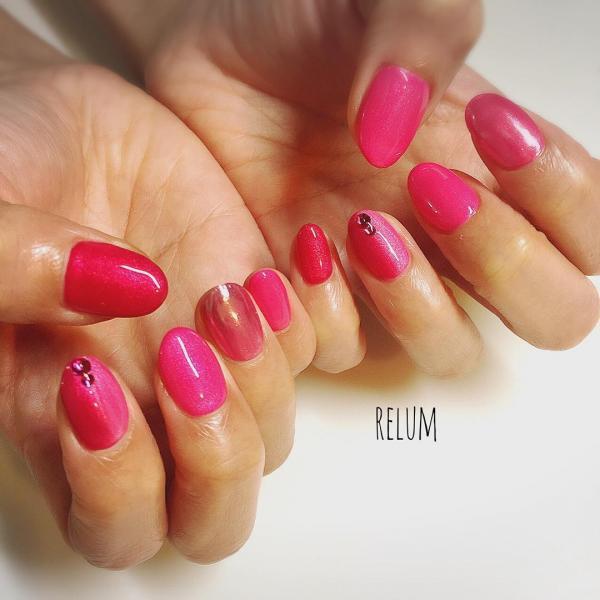 微妙に質感や色味の違うピンクをバランス良くミックスした...