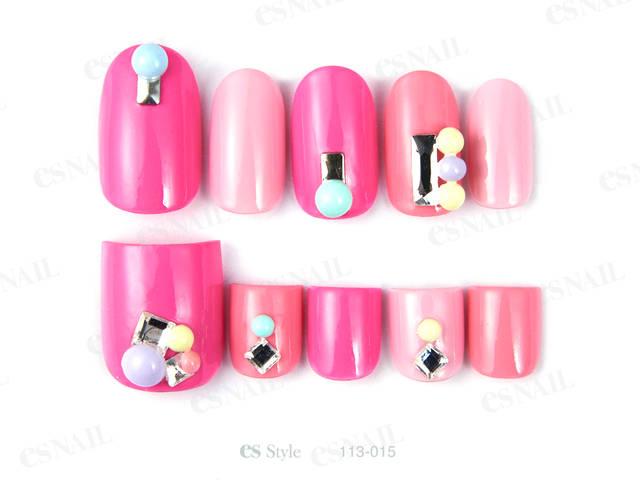 ピンクのマルチカラーにカラフルなストーンを合わせてポッ...