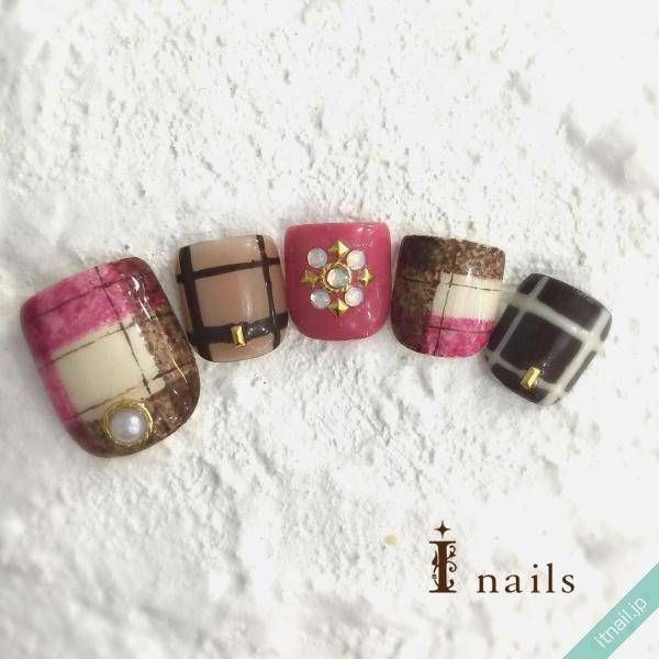 I nails (アイネイルズ)が投稿したネイルデザイン [photoid:I0029292] via Itnail Design (562840)
